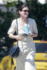Courteney Cox Out for Lunch in Malibu 2018/05/29 5