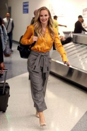 Danielle Savre at Los Angeles International Airport 2018/05/29 1