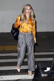 Danielle Savre at Los Angeles International Airport 2018/05/29 5