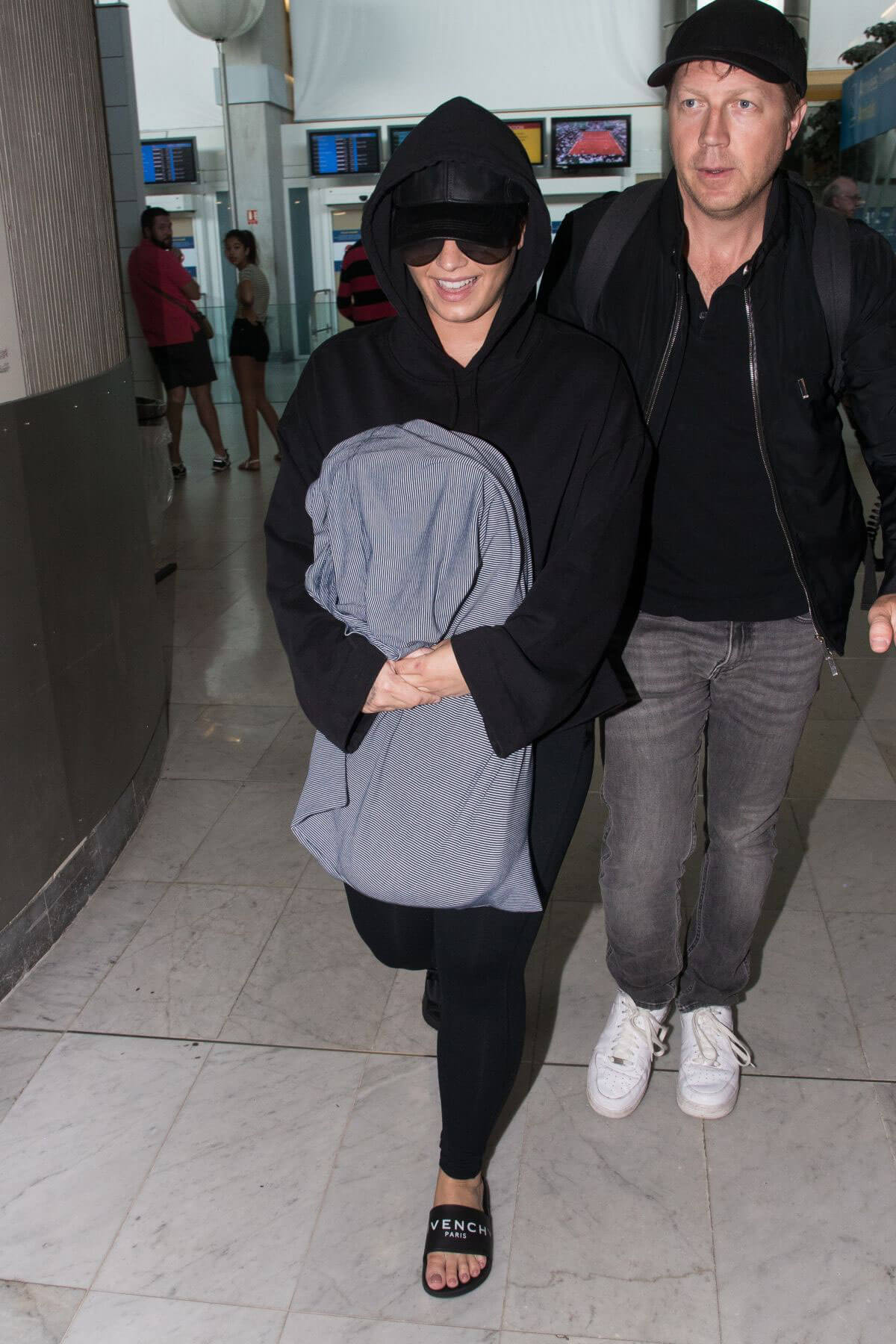 Demi Lovato at Charles De Gaulle Airport in Paris 2018/06/03