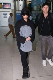Demi Lovato at Charles De Gaulle Airport in Paris 2018/06/03 5