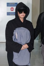 Demi Lovato at Charles De Gaulle Airport in Paris 2018/06/03 9