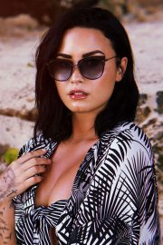Demi Lovato for Diff Eyewear 2018 8