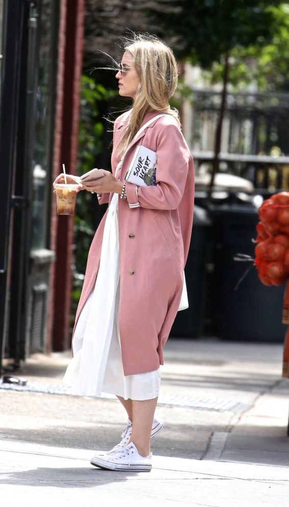 Dianna Agron Out and About in New York 2018/06/15 1