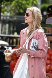 Dianna Agron Out and About in New York 2018/06/15 7