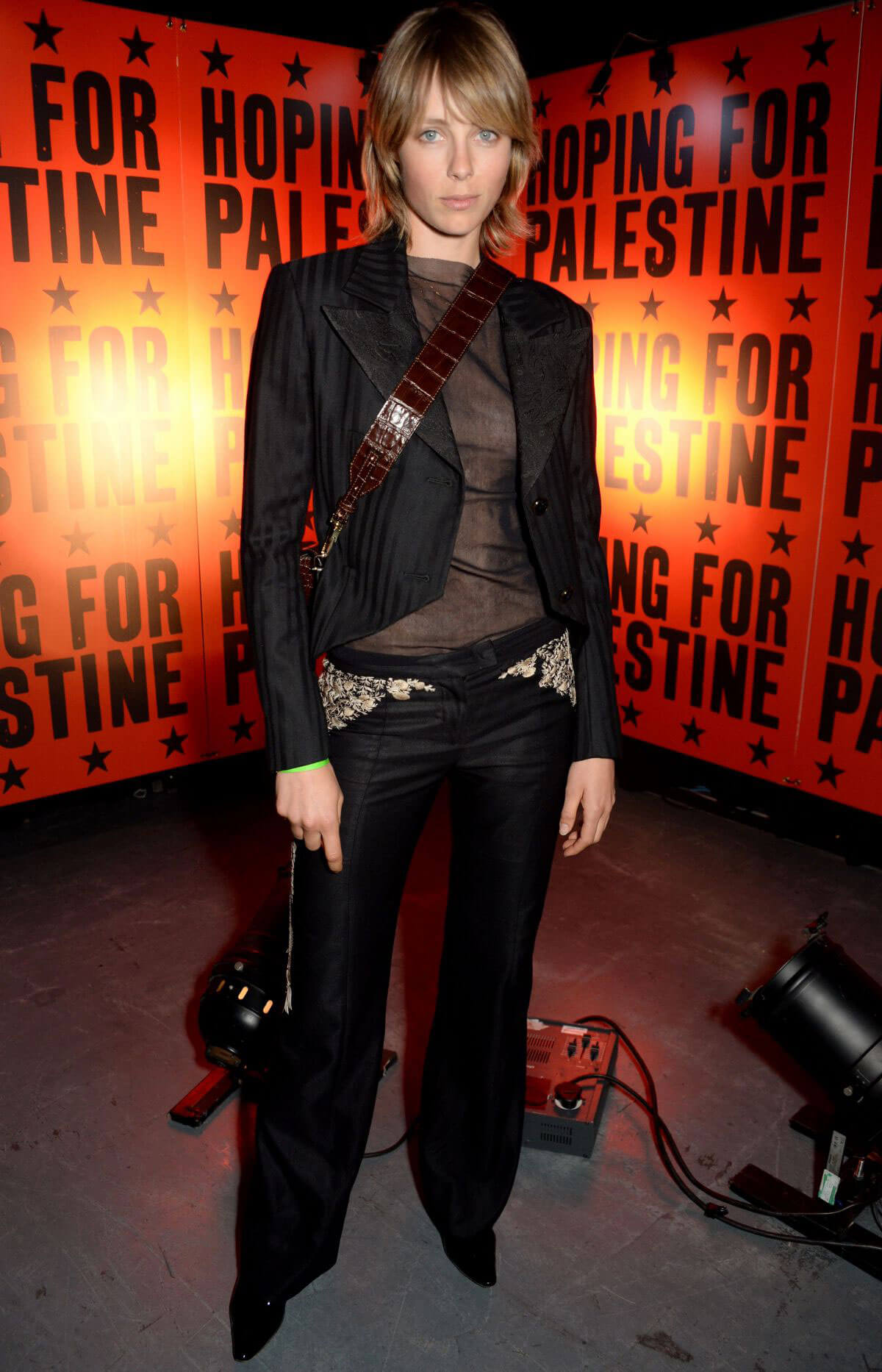 Edie Campbell at Hoping for Palestine 2018 in London 2018/06/04 5