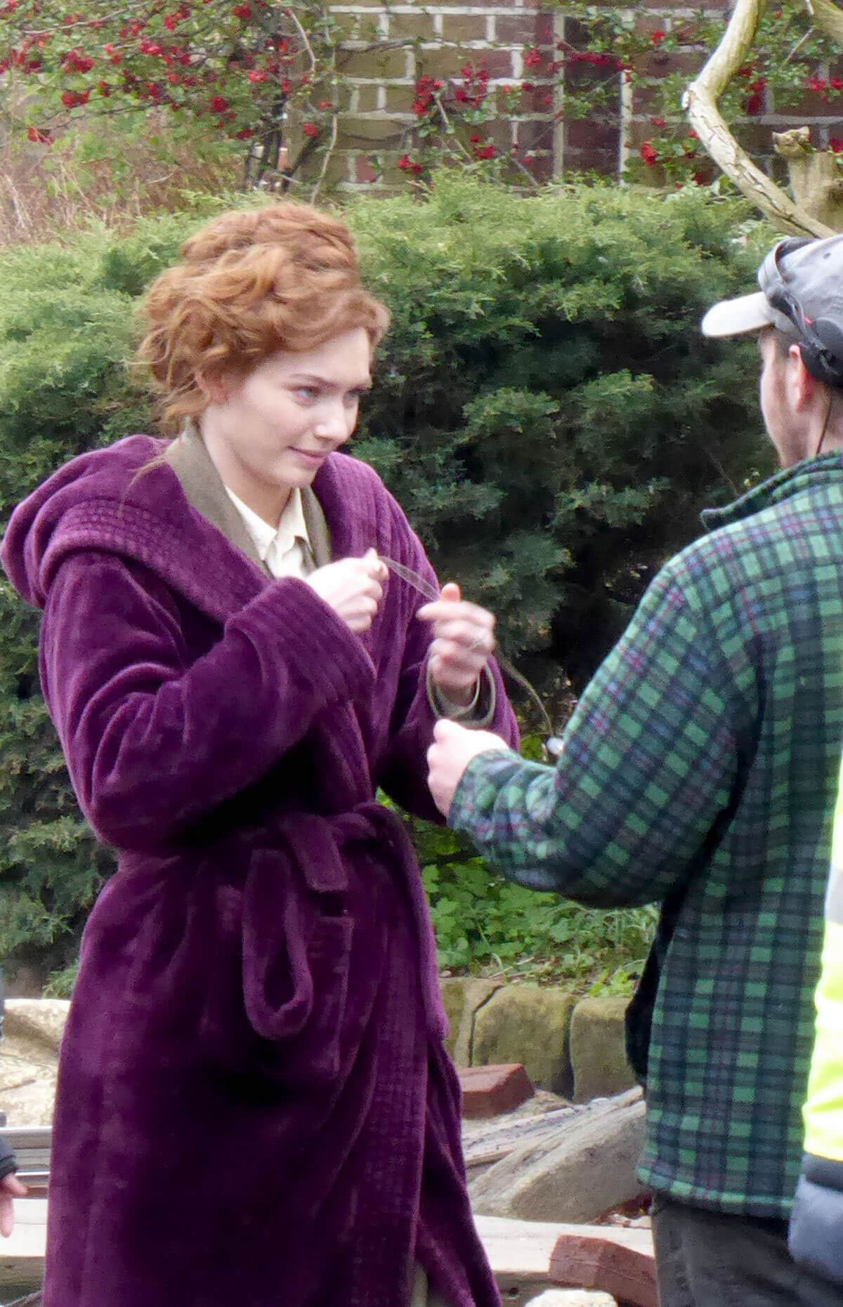 Eleanor Tomlinson on the Set of War of the Worlds in Cheshire 2018/06/09 10