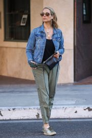 Elizabeth Berkley Out and About in Beverly Hills 2018/06/11 4