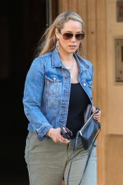 Elizabeth Berkley Out and About in Beverly Hills 2018/06/11 5