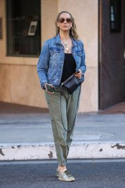 Elizabeth Berkley Out and About in Beverly Hills 2018/06/11 8