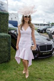 Elizabeth Hurley at Investec Derby Festival Ladies Day at Epsom Racecourse 2018/06/01 3