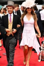 Elizabeth Hurley at Investec Derby Festival Ladies Day at Epsom Racecourse 2018/06/01 7