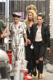 Emma Roberts, Kristen Stewart and Stella Maxwell Night Out in Hollywood 2018/06/09 1
