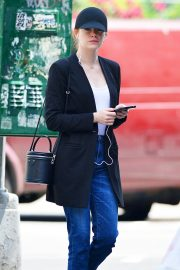 Emma Stone Out and About in New York 2018/06/11 1