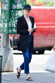 Emma Stone Out and About in New York 2018/06/11 2