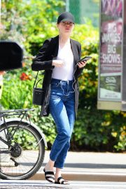 Emma Stone Out and About in New York 2018/06/11 5