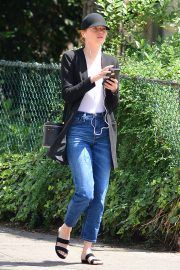 Emma Stone Out and About in New York 2018/06/11 6