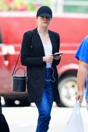 Emma Stone Out and About in New York 2018/06/11 8