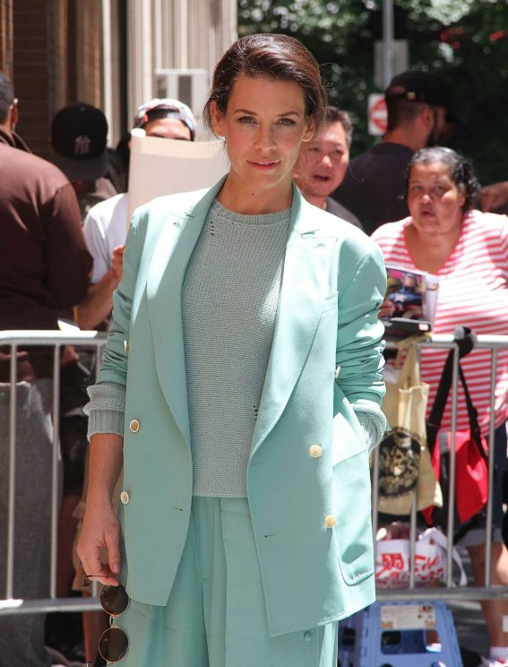Evangeline Lilly at The View in New York 2018/06/21 1