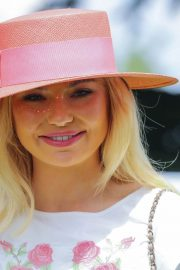 Georgia Toffolo at Investec Derby Festival Ladies Day at Epsom Racecourse 2018/06/01 1