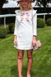 Georgia Toffolo at Investec Derby Festival Ladies Day at Epsom Racecourse 2018/06/01 10