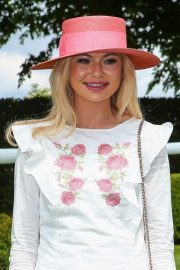 Georgia Toffolo at Investec Derby Festival Ladies Day at Epsom Racecourse 2018/06/01 13