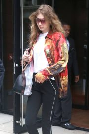 Gigi Hadid Leaves Her Apartment in New York 2018/06/01 12