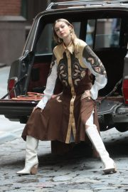 Gigi Hadid on The Set of a Photoshoot in New York 2018/05/31 16