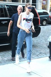 Gigi Hadid Out and About in New York 2018/05/30 1