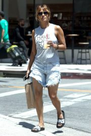 Halle Berry Out Shopping in Los Angeles 2018/06/01 8