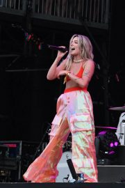 Halsey Performs at 2018 Governors Ball Music Festival in Randall's Island 2018/06/02 11