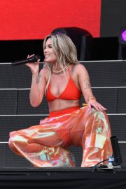 Halsey Performs at 2018 Governors Ball Music Festival in Randall's Island 2018/06/02 13