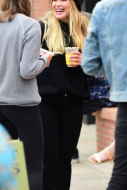 Hilary Duff at Farmers Market in Los Angeles 2018/06/24 1