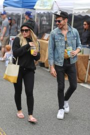 Hilary Duff at Farmers Market in Los Angeles 2018/06/24 4