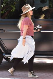 Hilary Duff at Zoo in Los Angeles 2018/06/20 9
