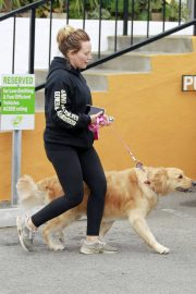 Hilary Duff Out with Her Dog in Studio City 2018/05/31 4