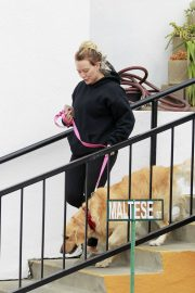 Hilary Duff Out with Her Dog in Studio City 2018/05/31 16
