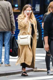 Hilary Duff Stills Times Square in NYC 2018/06/07 9