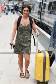Isabel Hodgins at Manchester Piccadilly Train Station 2018/06/02 1