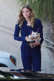 Jaime King Out for Iced Coffees in Los Angeles 2018/06/05 10