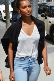 Jasmine Tookes Out in Beverly Hills 2018/06/04 6
