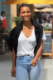 Jasmine Tookes Out in Beverly Hills 2018/06/04 17