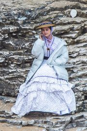 Jenna Dewan on the Set of Victoria in Yorkshire 2018/06/06 3