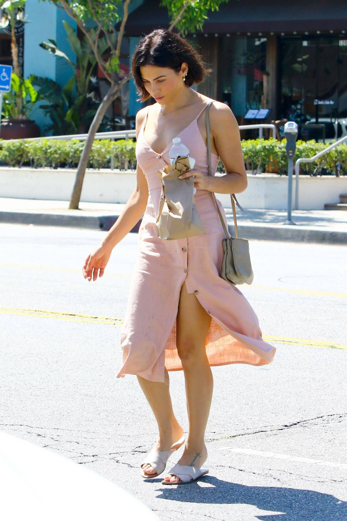 Jenna Dewan Out and About in Los Angeles 2018/06/12 1