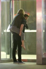 Jennifer Lawrence Carried on the Back of Cooke Maroney in New York 2018/06/13 7