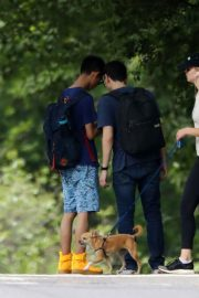 Jennifer Lawrence Out wih Her Dog in Central Park in New York 2018/06/10 4
