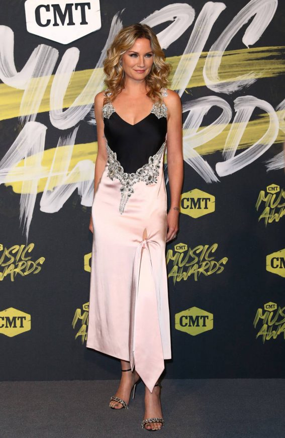 Jennifer Nettles Stills at CMT Music Awards 2018 in Nashville 2018/06/06 1