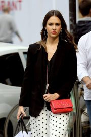 Jessica Alba Shopping at Robert Clergerie and Roger Gallet in Paris 2018/06/12 18