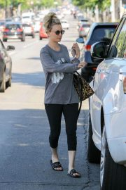 Kaley Cuoco Out and About in Studio City 2018/06/06 2