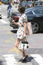 Katie Holmes Out Shopping in New York 2018/06/09 14